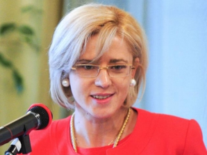 Frunda: Corina Cretu are experienta pentru a face fata unui post de comisar european