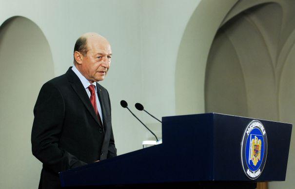 Traian Basescu, Mircea Dusa si Titus Corlatean participa la summitul NATO. Care este programul summitului