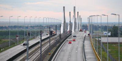 Guvernele Romaniei si Bulgariei s-au angajat sa inceapa constructia a doua noi poduri peste Dunare