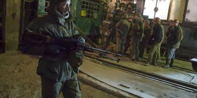Aproape 500 de mineri, blocati in subteran din cauza luptelor din estul Ucrainei