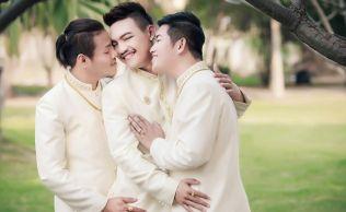 Nunta gay in trei: