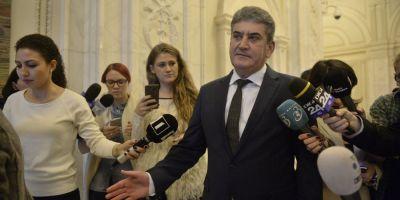 Gabriel Oprea le cere senatorilor sa voteze pentru ridicarea imunitatii sale