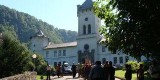 Manastirea Tismana, locul unde s-au nascut adevarate capodopere ale literaturii romane