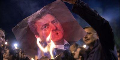 Manifestatii violente in Macedonia: protestatarii au vandalizat biroul presedintelui Gjorge Ivanov