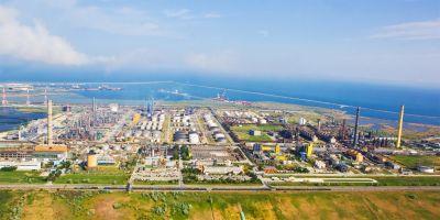 Chinezii de la CEFC devin oficial proprietarii grupului Rompetrol