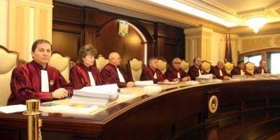 Doua bizarerii la Curtea Constitutionala