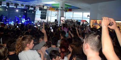 Reactii dupa concertul Carla`s Dreams din Piatra Neamt. Patru obligatii impuse organizatorilor de spectacole in spatii inchise