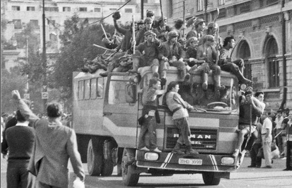 Batuti, umiliti si ucisi. Autoritatile au uitat sa comemoreze mineriada din 13-15 iunie 1990