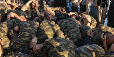 Turcia: Un soldat rebel a fost decapitat de sustinatorii guvernamentali