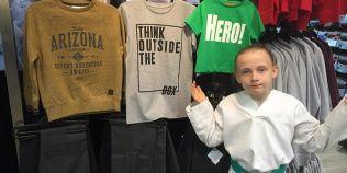 VIDEO O fetita de 8 ani a cucerit milioane de oameni dupa ce a criticat mesajele sexiste de pe tricourile copiilor