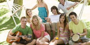 Cum diferentiezi prietenii adevarati de cei