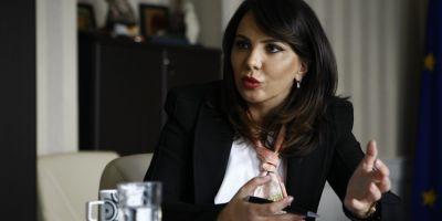 Perchezitii DNA la Autoritatea Electorala Permanenta. Sotul Anei Maria Patru a incercat sa fuga cu mai multe documente importante
