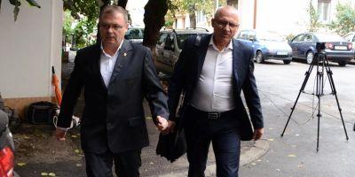 Sefii Politiei Bihor, trimisi in judecata de procurorii DNA. Judecatorul Ovidiu Galea si chestorul Liviu Popa, acuzati ca au ascuns apartenenta la masonerie