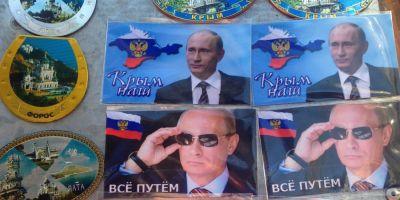 Reportaj din Crimeea: admiratie pentru Putin exprimata pe magneti, sperante de competitie cu Riviera Franceza si mesaje pentru Trump de la un taximetrist