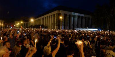 Mii de oameni au iesit in strada in Polonia pentru a protesta fata de masurile guvernului ce ataca independenta justitiei