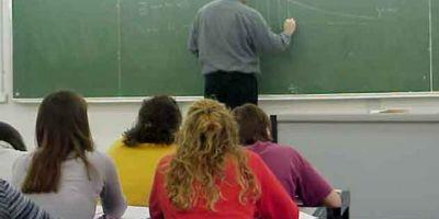 Parlamentul vrea sa scurteze perioada blocarii posturilor de titular din invatamant