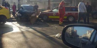 VIDEO Impact violent intre un Audi si o masina SMURD pe o sosea circulata din Iasi