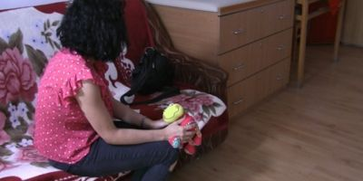 VIDEO Sute de minore devin mame, anual, in Vrancea. Specialist: