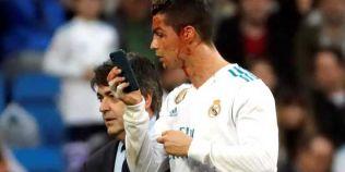 VIDEO Un gol insangerat! Ronaldo a oferit faza serii: si-a spart arcada, apoi a cerut un telefon mobil pe teren