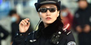 Politia chineza are ochelari cu recunoastere faciala