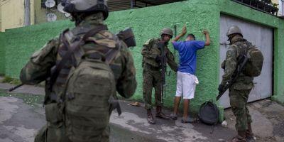 Militarii vor patrula in cel mai mare stat al Braziliei: armata preia controlul in Rio de Janeiro