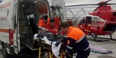 VIDEO Tanarul care a facut transplant de plamani, transferat cu elicopterul la Institutul