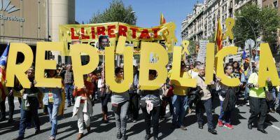 Barcelona: Sute de mii de persoane au iesit pe strazi pentru a sustine liderii separatisti aflati in inchisoare