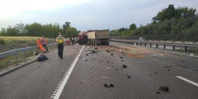 Accidentul din Ungaria: O familie si-a pierdut doi fii si nora. Autoritatile incearca sa stabileasca numarul copiilor care vor avea nevoie de consiliere